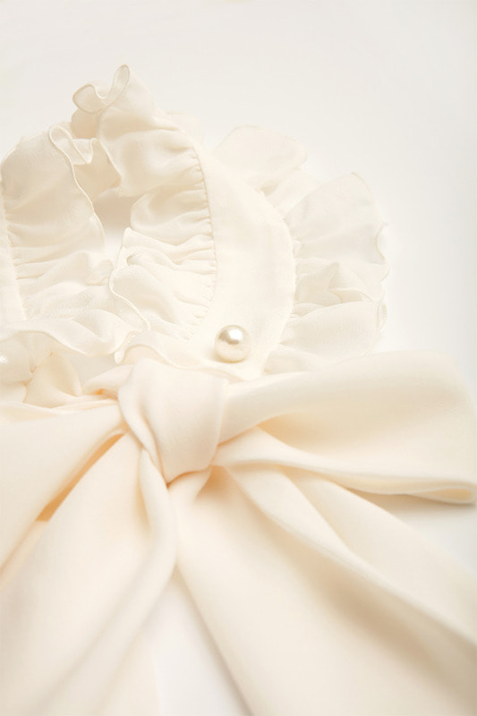 Dianna Ruffle Neck Collar (White)